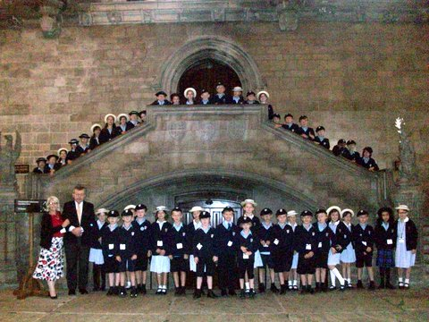 Lord Lexden showing a group from Mead School around the Palace of Westminster